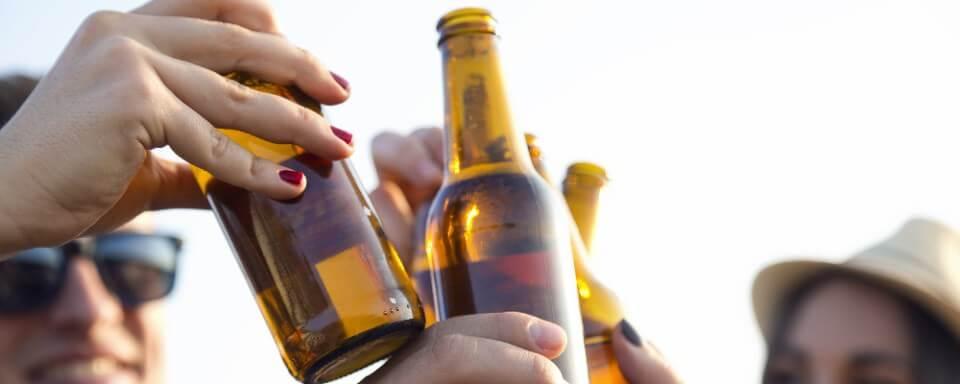 brindar con cervezas sin alcohol